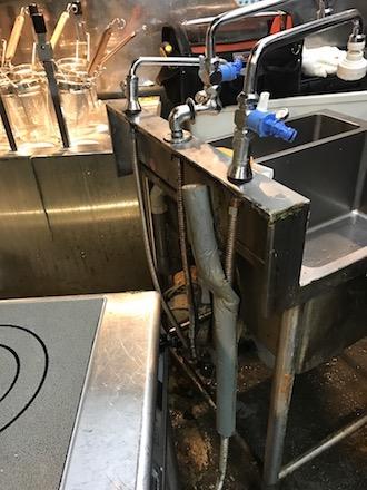 島田市岸町給水管修理
