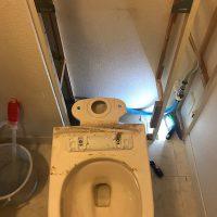 焼津市石津中町 洋式トイレ脱着作業