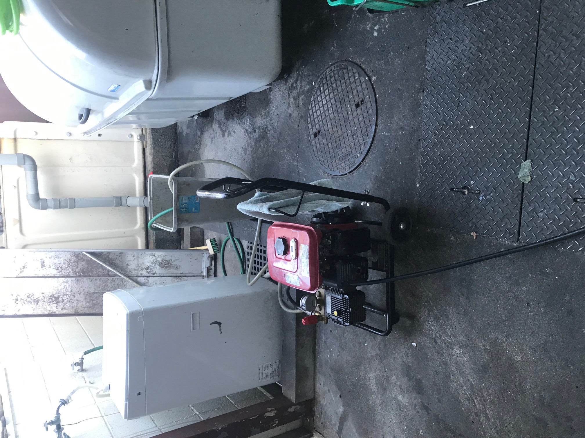 静岡市駿河区高松 店舗高圧洗浄作業